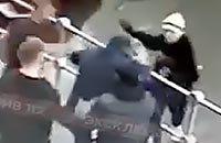 Кокорин и Мамаев избивают человека: детальный разбор видео