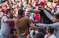 Ненависть между ЦСКА и «Спартаком»: началось из-за армии, продолжилось бойнями повсюду, а теперь драк нет