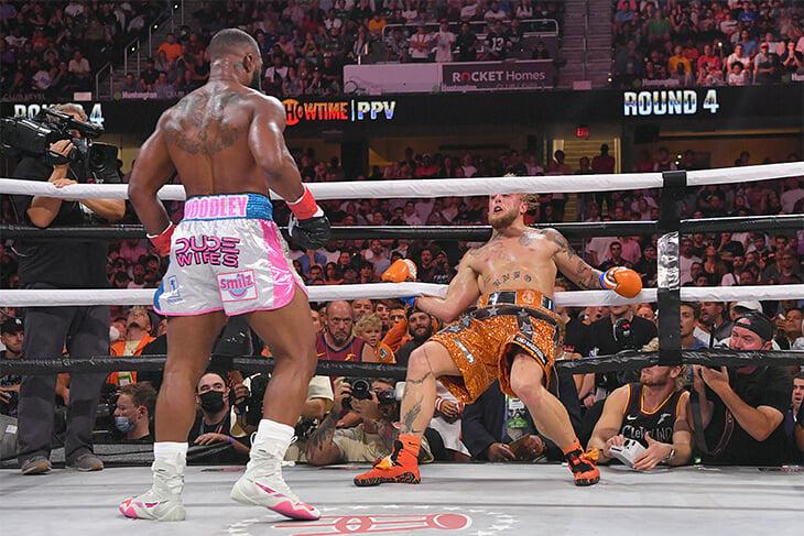Джейк Пол удивил – перебоксировал экс-чемпиона UFC, став настоящей звездой. Вудли вымолил реванш на условии унизительной тату