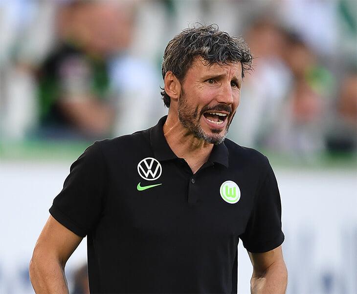 «Вольфсбург» вылетел из Кубка, несмотря на победу. Просто Ван Боммел (не умеет считать до 6) сделал лишнюю замену в овертайме