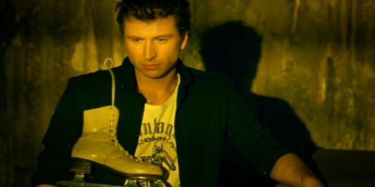 «Я запел, но через полчаса понял, что это не мое». В 2007-м после «Ледникового периода» Ягудин снялся в клипе Виктории Дайнеко