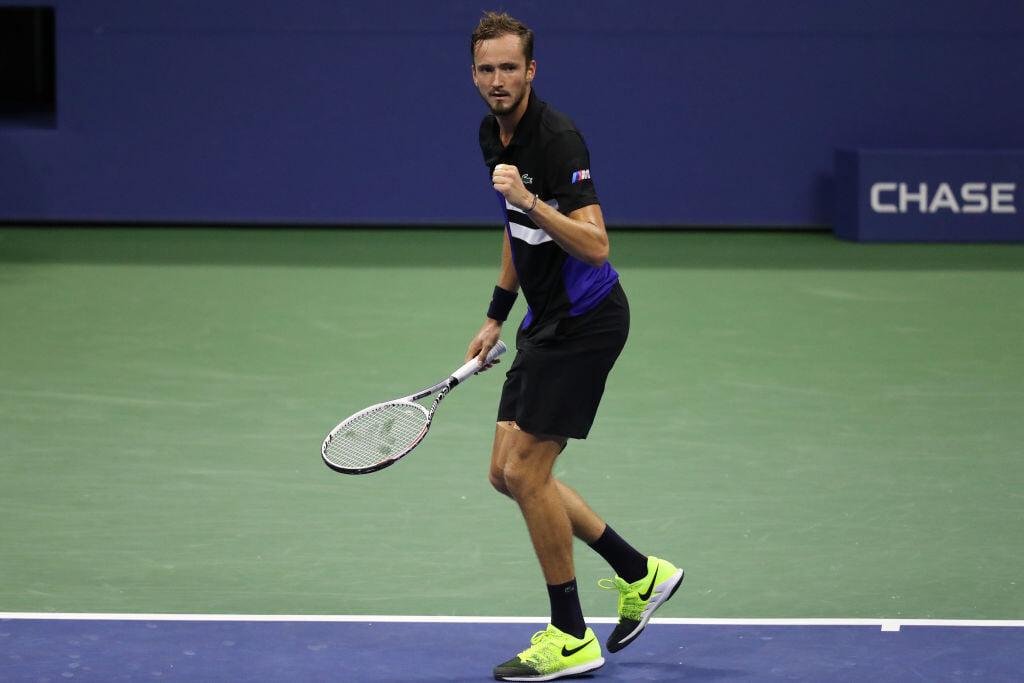 На US Open будет русский четвертьфинал. Рублев с умом прошел неудобного Берреттини, Медведев посмотрел на фак от Тиафу