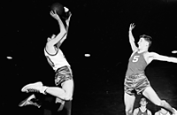 НБА, NCAA, университет Канзас, олимпийский баскетбольный турнир, Дин Смит, Зал славы, игровая форма, Джеймс Нейсмит