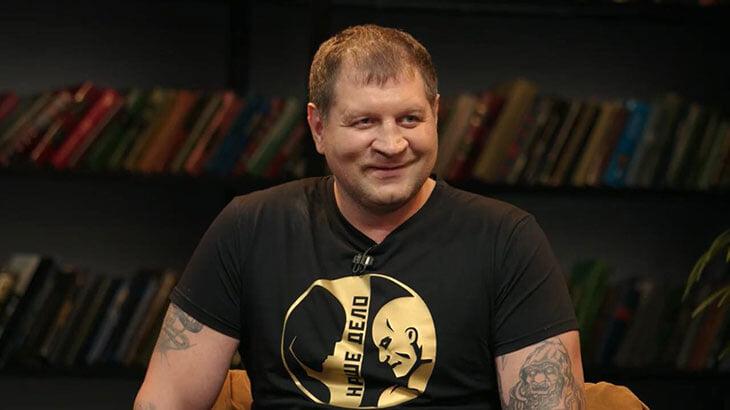 Александр Емельяненко на «ЧБД»: рассказал про драку в амстердамском баре, вызвал на бой Сабурова и пошутил про женщин