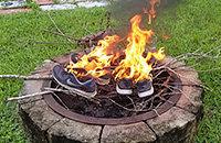 Nike подписал игрока, который не вставал во время гимна США. Теперь американцы сжигают их кроссовки