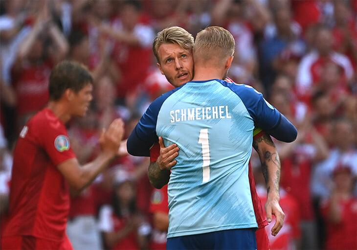 👏 Красивый жест Дании и Бельгии: после 10 минут остановили игру ради аплодисментов для Эриксена