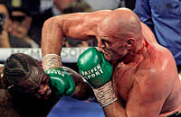 В Тайсона Фьюри вселился реальный Тайсон: избивал Уайлдера 7 раундов, бой поставил рекорд Вегаса по сборам
