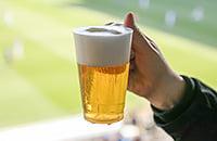 Надо ли возвращать пиво на стадионы?