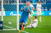 2 года назад Заболотный забил в пустые ворота СКА – гол стал лучшим мячом «Зенита» в сезоне