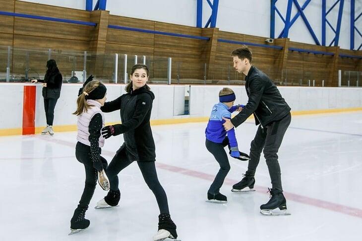 Липницкая и Тарасенко – новая фигурная пара (скоро станут родителями). Он тоже катался у Тутберидзе, а теперь тренирует в академии Юли
