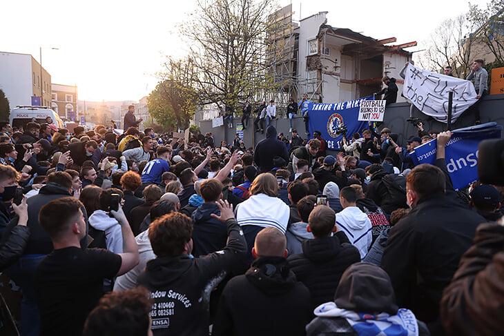 Протест, который добил Суперлигу: в Лондоне вынудили уйти «Челси», следом отказываются и остальные