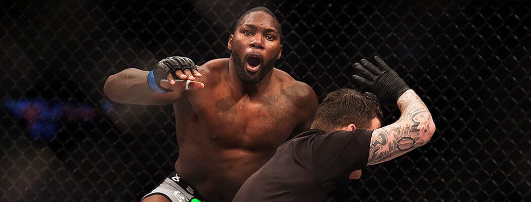 Бывшая звезда UFC выращивал лечебную марихуану, судился с женщинами и выступал в сумо. Теперь он вернулся в Гран-при Bellator