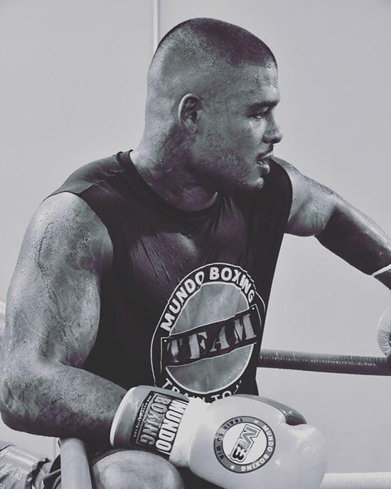 Спонг готовился к бою жизни против Усика, но провалил допинг-тест. Теперь украинец может подраться с русским