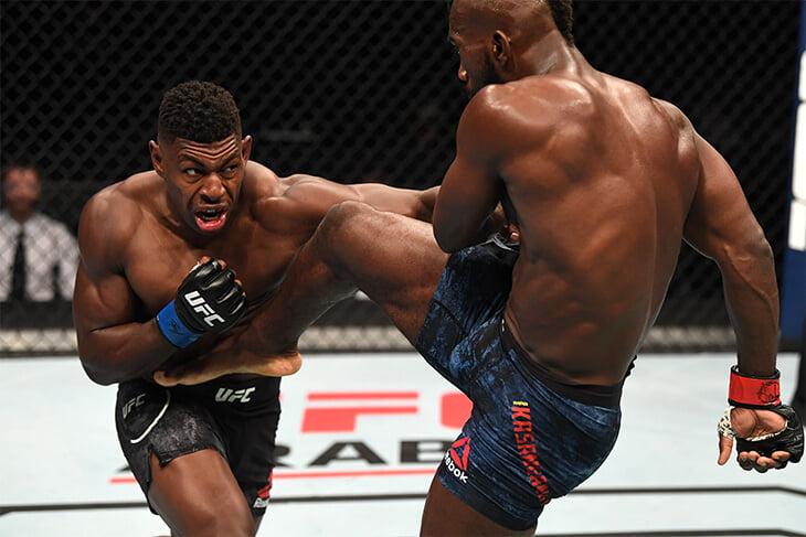 Фантастический нокаут на турнире UFC. Такого нет даже в боевиках