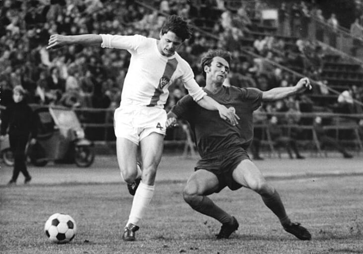Допинг под видом витаминов, сотрудники Штази на трибунах, автокатастрофа для игрока, сбежавшего на Запад. Так жил футбол в ГДР