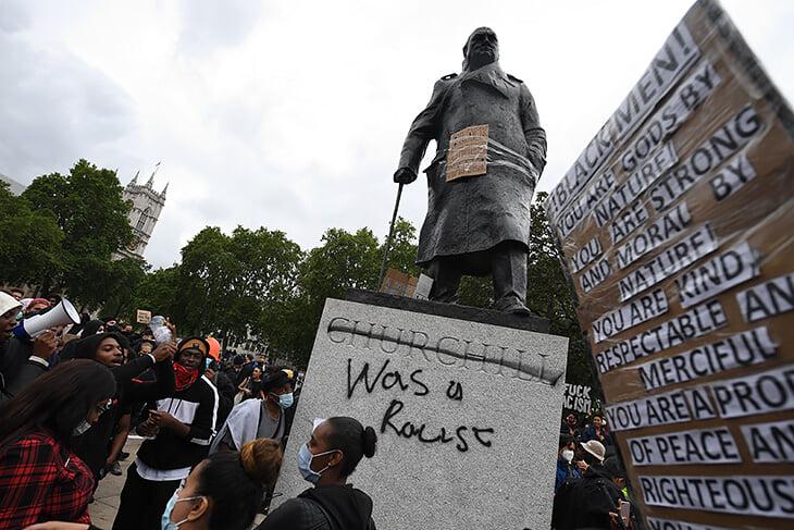 Теннис протестует против насилия полиции в США