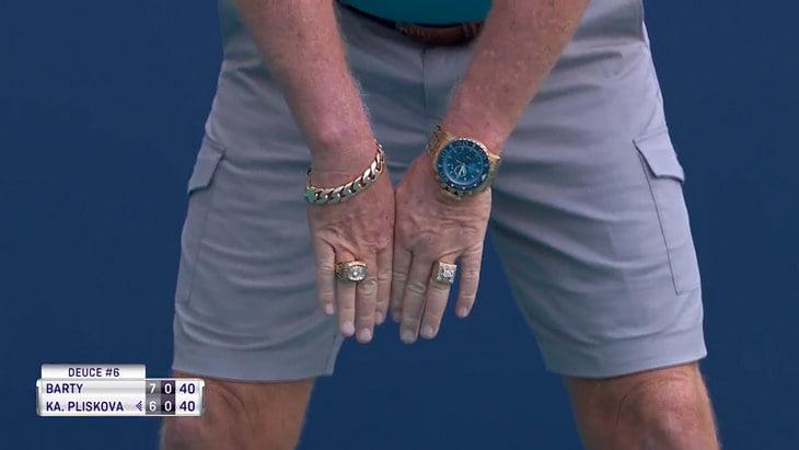 В женском финале Майами было два героя: Барти и большой линейный в золоте