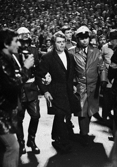 Фаны «Гладбаха» утром пошумели у отеля «Интера» и оставили сотню банок «Колы». В 1971-м из-за такой отменили матч, в котором итальянцы влетели 1:7