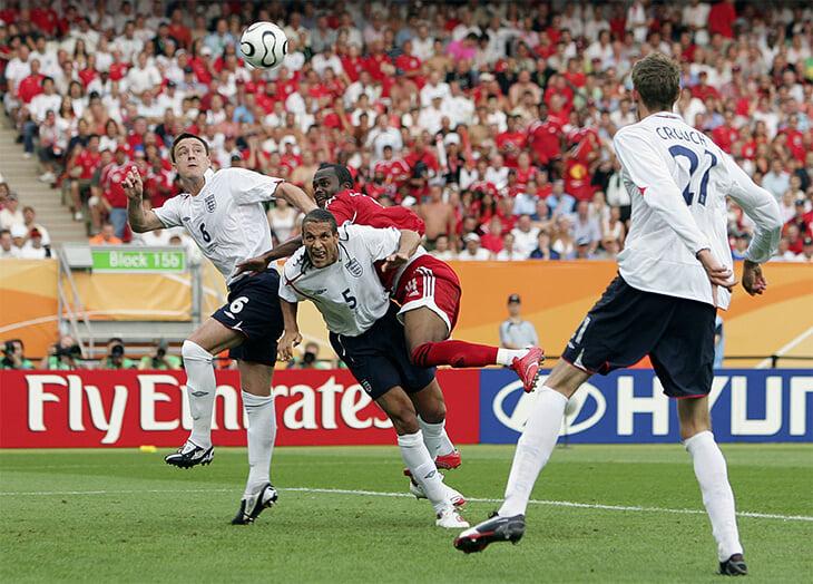 Лучший футбольный комментарий: Уткин и шоу в матче Англия – Тринидад. Василий чуть не упал в обморок, страдал от жажды и стебал англичан