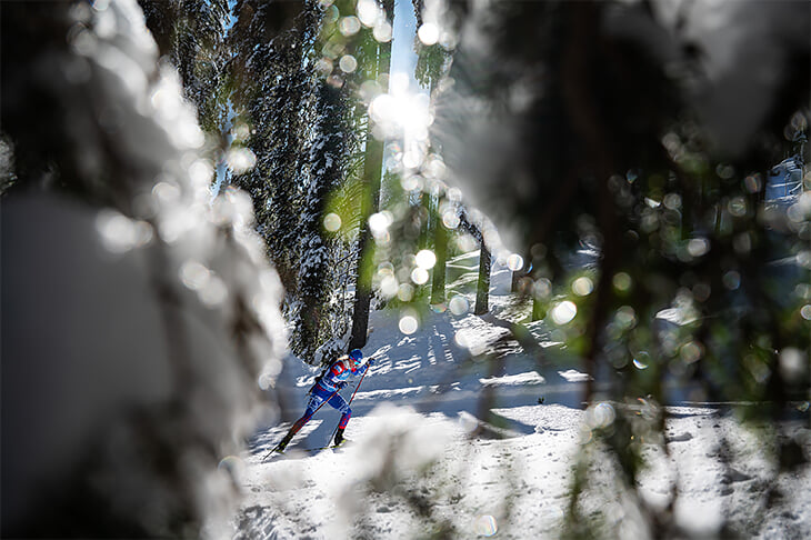 Вся красота февраля: реакция на штрафной Месси, старт победной гонки Большунова и две австралийские бабочки