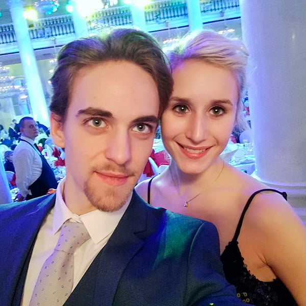 Анна Яновская: наша красавица-фигуристка, которая танцевала с Мозговым, а теперь катает за Венгрию