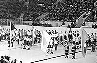 Сборная Канады по хоккею, ИИХФ, сборная Чехословакии, сборная СССР, Политика, Чемпионат мира по хоккею