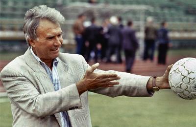 Играл в «Спартаке», тренировал в Африке и работал в программе «Время». Как Владимир Маслаченко попал на телевидение