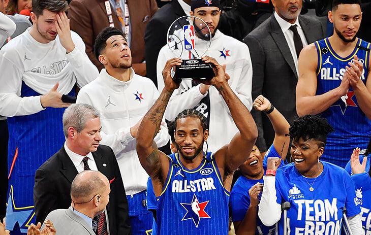 В НБА теперь вручают награду Кобе Брайанта. А еще можно назвать трофеи в честь Уилта, Карима, Берда, Стерна