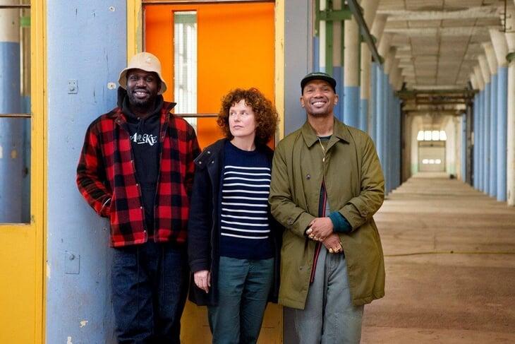 Хип-хоп с перерывами на реселл: как два друга из Амстердама с помощью кучи кроссовок основали собственный бренд