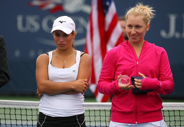 Необузданная Путинцева – в 1/4 US Open. По ходу матча махала средним пальцем и кричала, как ее достал «очкарик» (тренер соперницы?)