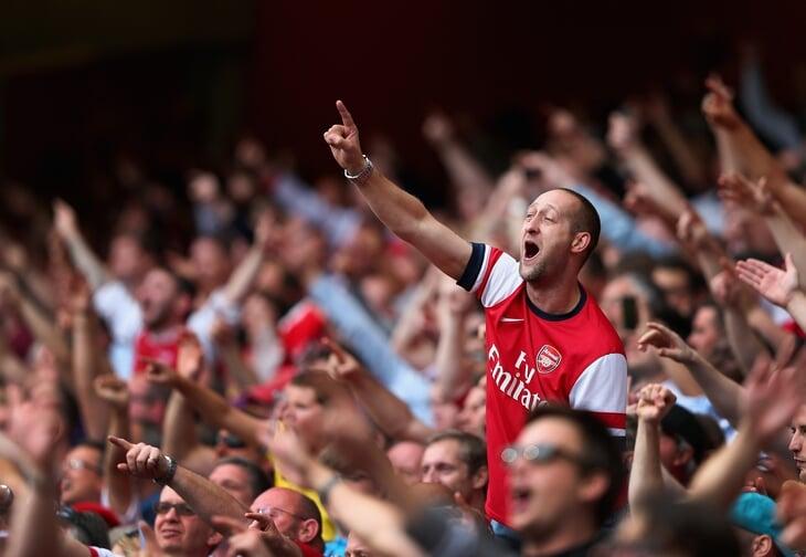 Ура, в Англии снова пустят зрителей на трибуны! Пока до 4 тысяч и не везде, но клубы счастливы 😊
