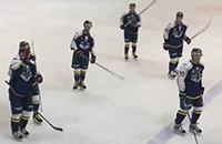 Команда ВХЛ бастует из-за долгов. На матч вышли 10 человек
