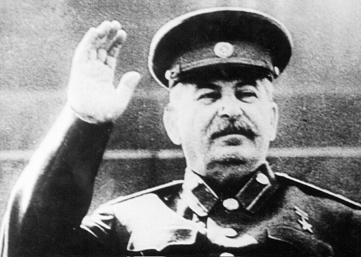 Как при Сталине снимали кино о футболе: матч = война, Запад проигрывает, «мы» важнее «я»
