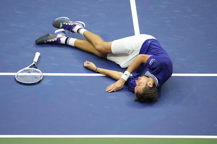У Медведева не было подарка жене Даше на годовщину свадьбы – и он выиграл для нее US Open!
