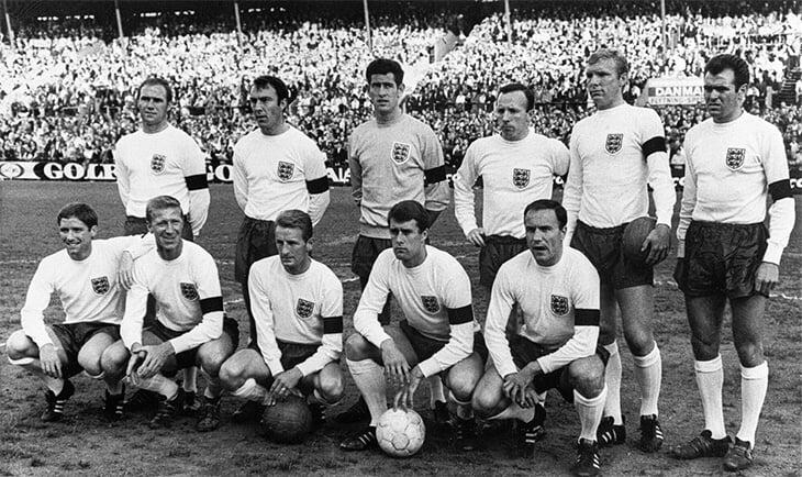 Умер Джимми Гривз, величайший английский бомбардир. Его главными клубами были «Челси» и «Тоттенхэм», а драмой – пропуск финала ЧМ-1966