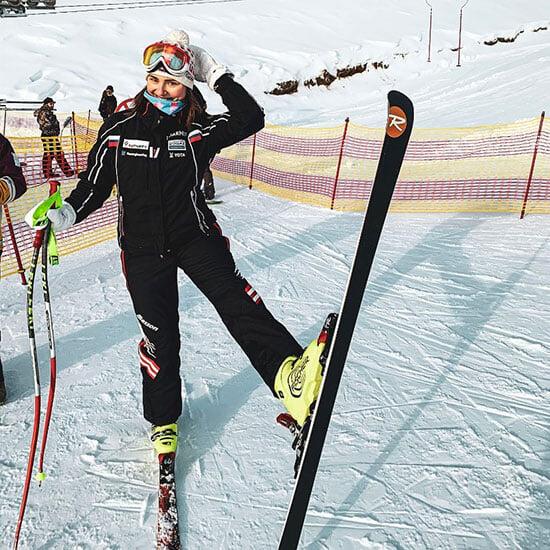 Реабилитолог «Уфы» – бывшая горнолыжница: была в сборной, ушла в медицину после травм, пришла в футбол благодаря Буровой