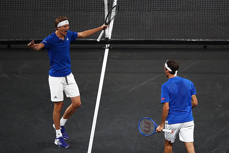 Черный корт на турнире Федерера – как же это красиво!