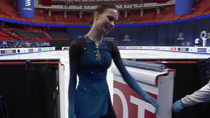 Олимпийская чемпионка назвала внешность Щербаковой болезненной. Аня ответила суперпрокатом на ЧМ и сценкой у льда