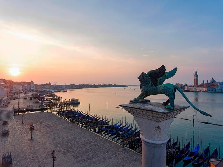 «Венеция» – самый красивый футбольный клуб мира. Играет во втором дивизионе, но по эстетике конкурирует с топами