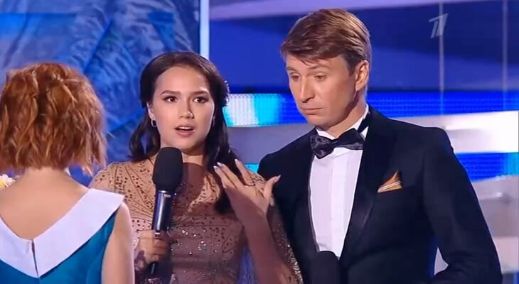 Премьера Загитовой в роли ведущей «Ледникового периода»: запиналась, волновалась и растерялась после шутки про пиццу