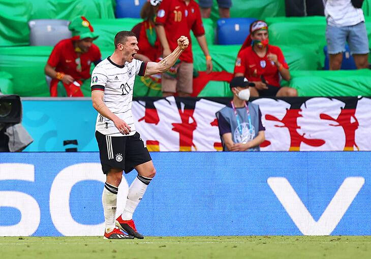 Гозенс поучаствовал в 4 голах в ворота Португалии. Самое время вспомнить историю о футболке Роналду