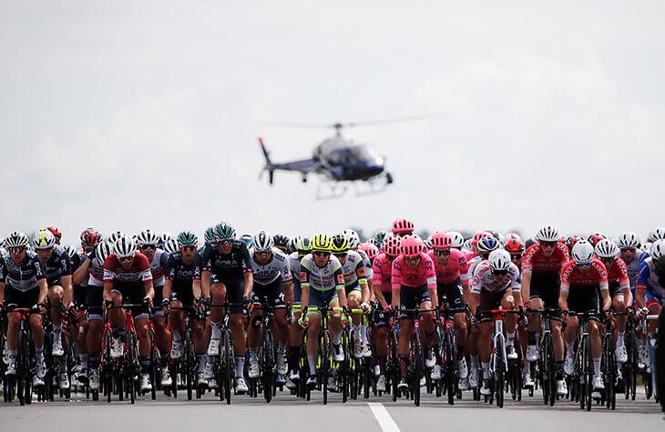 Вся красота июня: Евро-2020, немного «Тур де Франс» и рыжий кот