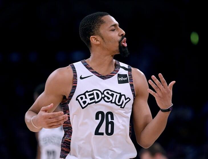 «Лейкерс» снимают новых «Неудержимых», «Чикаго» прибегает к отчаянным мерам, «Майами» печатает деньги. Дамы и господа, это ваше межсезонье НБА в 2021-м!