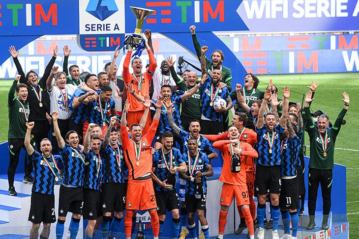 Конте ушел из «Интера» через 25 дней после чемпионства. Клуб до сих пор не выплатил зарплаты за март, а топовых игроков собираются продать