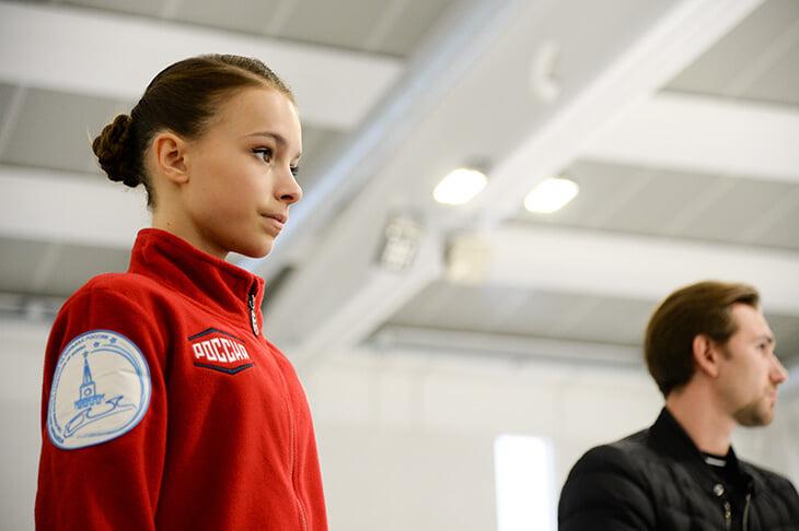 Почему Медведева выступит на московском Гран-при, а Загитова – нет? Объясняем