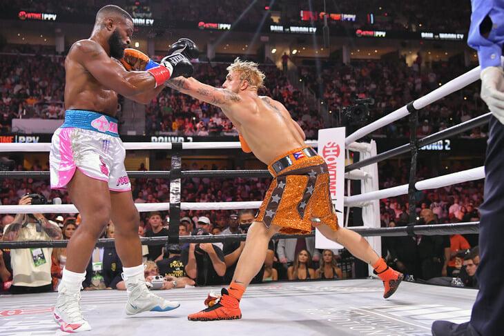 🤦♂️ Триумф Джейка Пола – комедия: блогер посредственно боксирует, но побеждает ветеранов UFC и влюбляет в себя тинейджеров