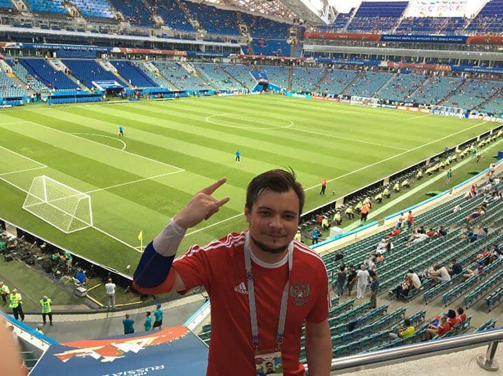 Наш читатель попадет на Евро благодаря посту про билеты. Думал, что уже поздно, а в итоге помчит с друзьями в Питер на матч!