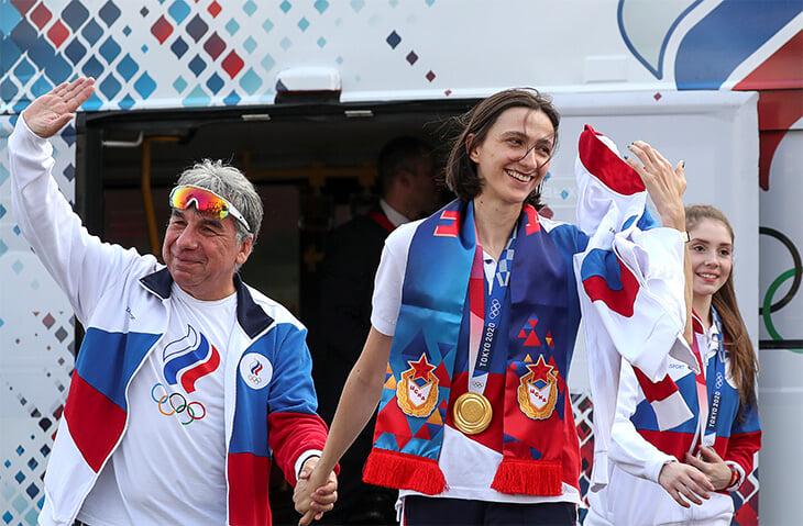 Подсели на спорт после Олимпиады? Он цветет: впереди ЧМ по художке (без Авериных и Ашрам?), волейбольные Евро и реванш Нагорного