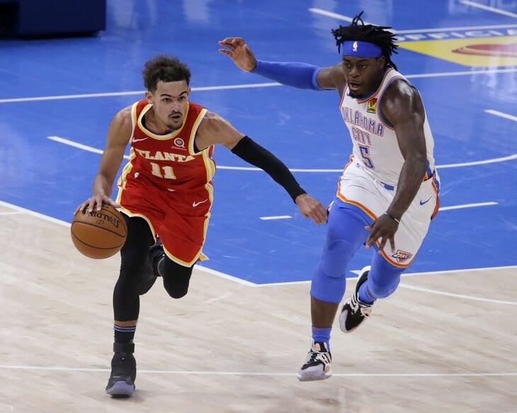 Две команды НБА вышли на паркет в одинаковых (почти) формах. Переоделись только после половины игры