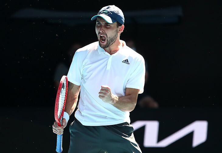 Аслан Карацев – герой Australian Open! Отыгрался с 0:2 по сетам и ворвался в 1/4 финала на дебютном «Шлеме»